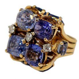 The Permanent Influence of Retro Jewelry